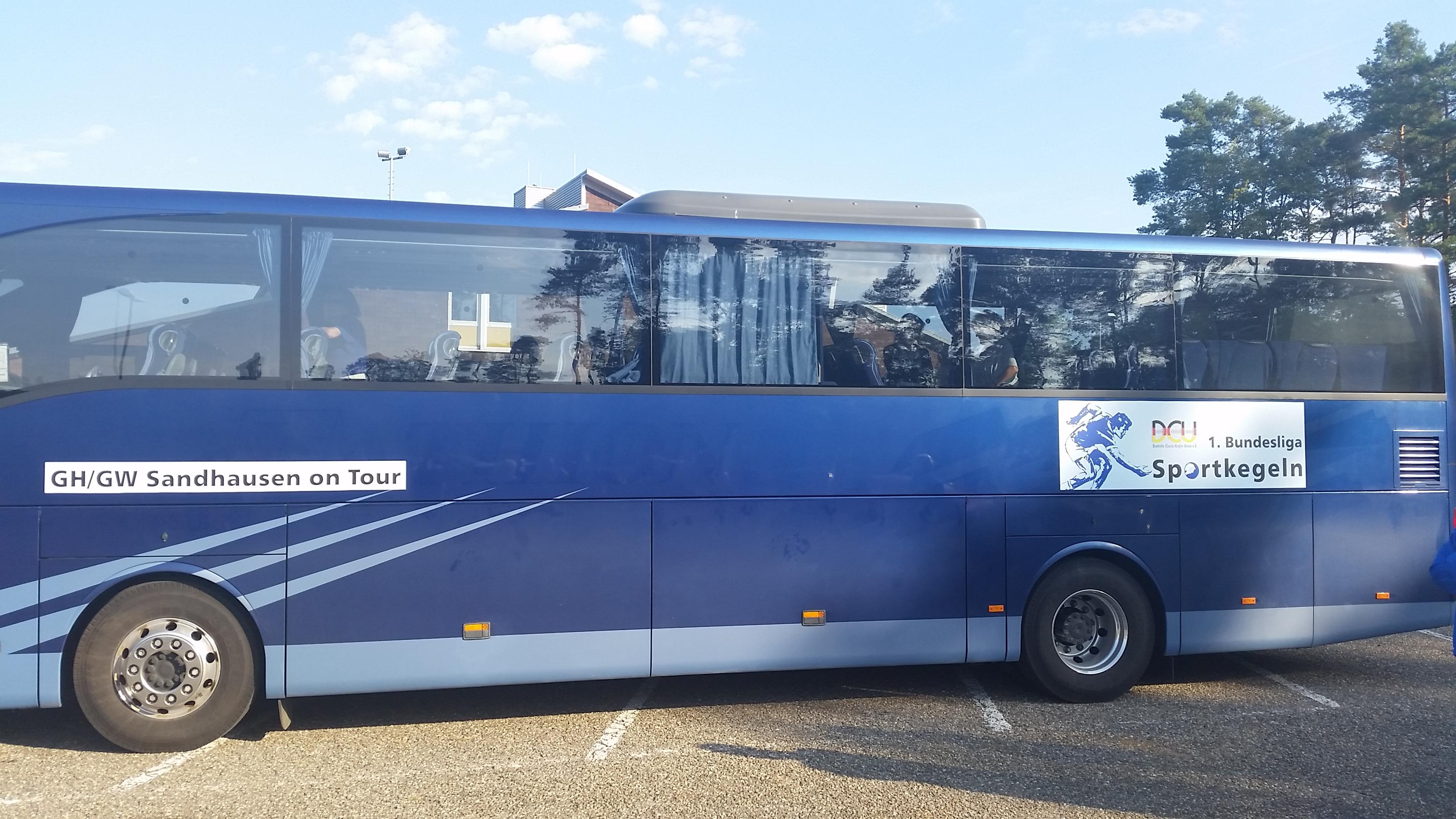 Bus der Firma Laier